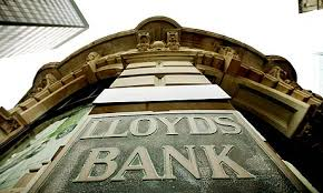 Drop in Share Prices Halts UK Governments Attempt to Privatise Llyods Bank