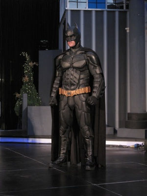 Cosplay Batman Suit Hits Guinness World Record For Its Gadgets' Functionalities