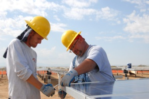 SolarCity Collects '$305 Million' To Fund Its Solar Panel Installation