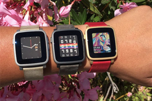 Pebble Opened Pre-Order of Apple Watch's Competitor