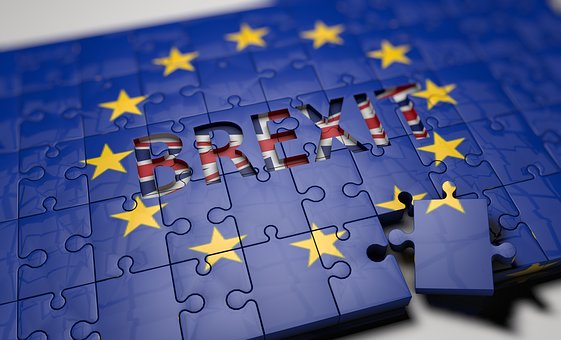 Britain prepaing for a cliff's edge Brexit, to decide on contingencies on a timely basis