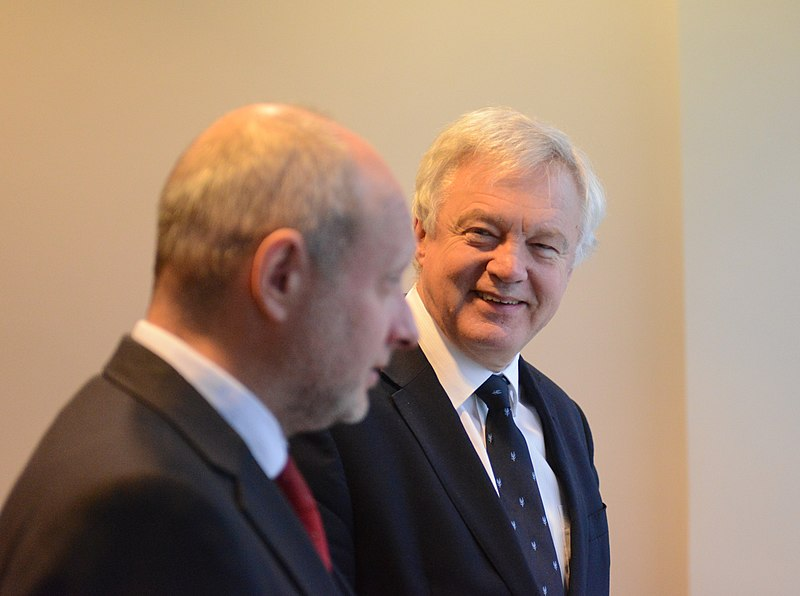 Matti Maasikas and David Davis (CC By 2.0); Source: commons.wikimedia.org