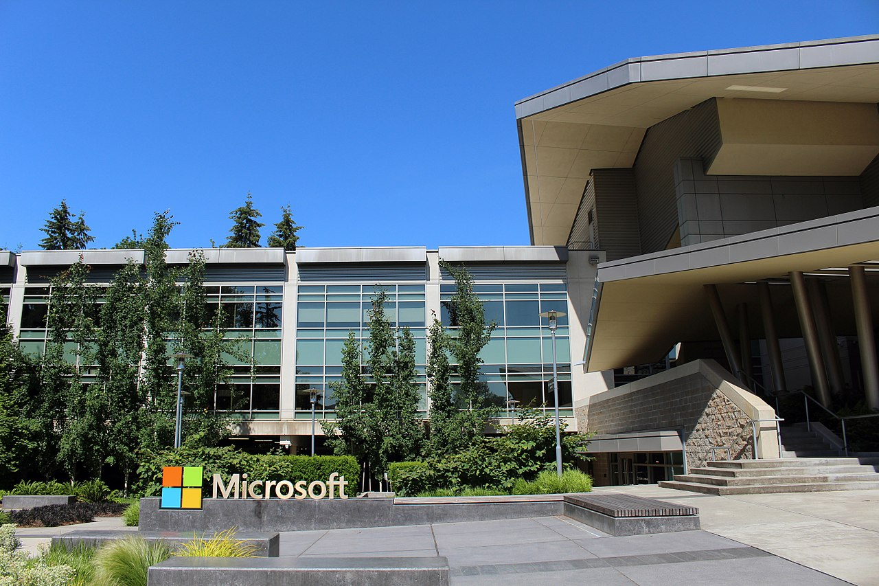 Microsoft tells about operating system of the future