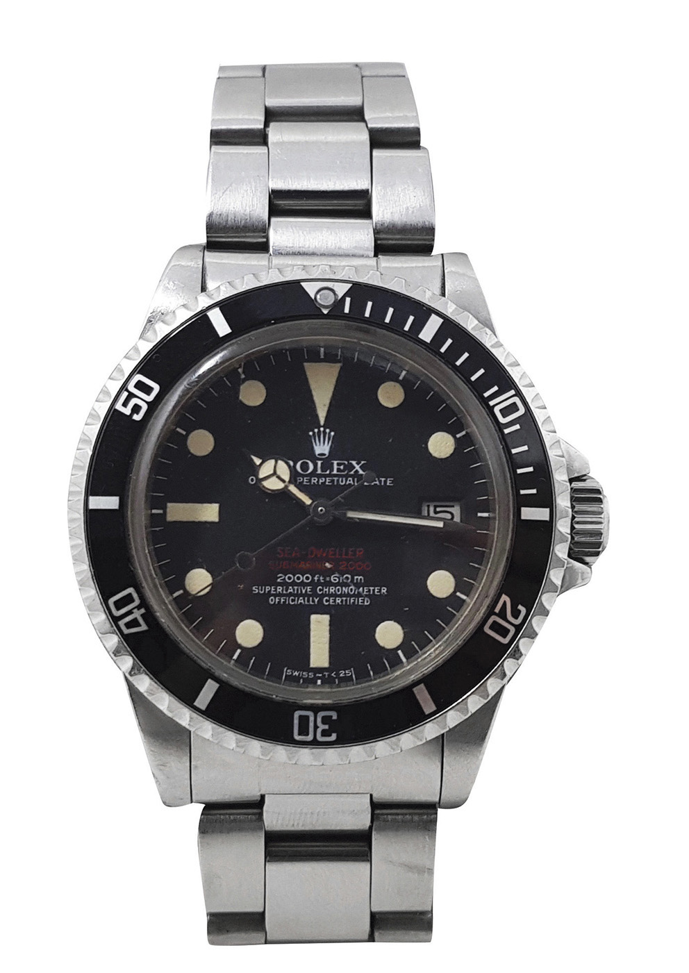 "Rolex Sea-Dweller double red, reference number 1665, serial number 3117947, steel wristwatch, black dial, datograph at 3 o'clock, luminescent pale beige hands and index, articulated mesh bracelet with clasp, ""Rolex oyster gas escape valve-Rolex patent"" engraved on the back, January 1972, dia. 39-40 mm (1.53 x 1.57 in). Estimate: €50,000/60,000"