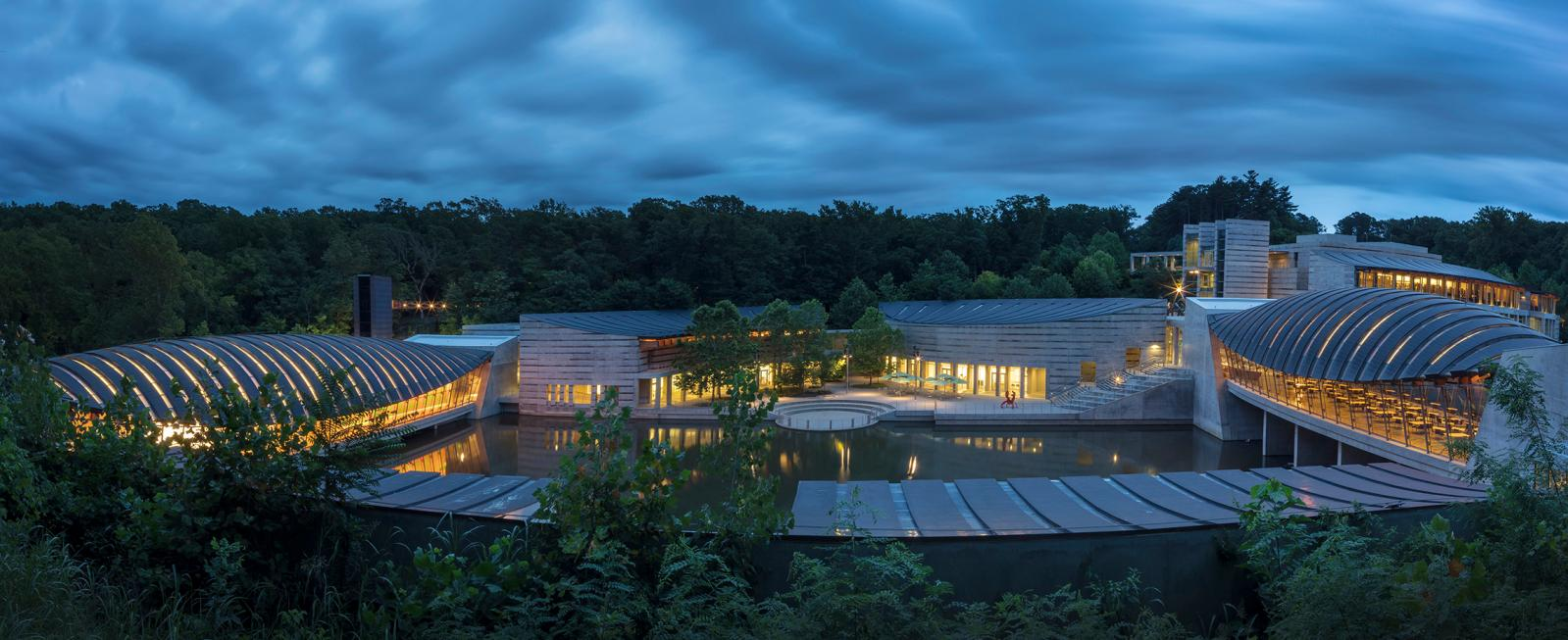 Panoramic view of Crystal Bridges Museum of American Art. Image Courtesy of Crystal Bridges Museum of American Art