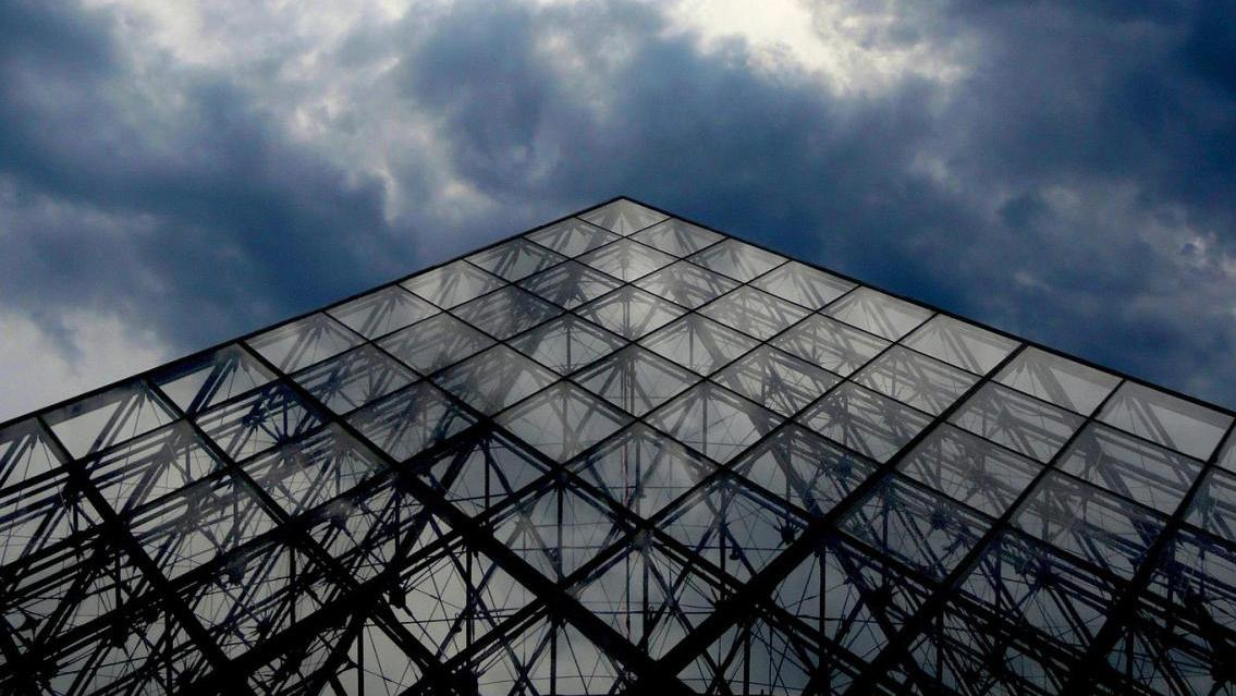 The Louvre: Intrigue at Court