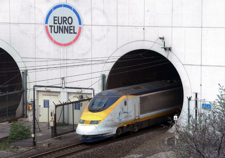 EU Migrant Crisis: Eurostar Trains Held Up Overnight After Tresspassers Climb on Trains